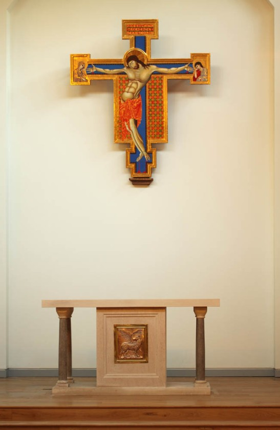 fisher-house-altar-00